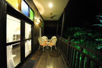 5 pax dorm Jati private balcony.