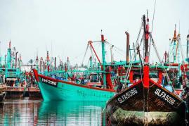 Fishermen's village nearby.