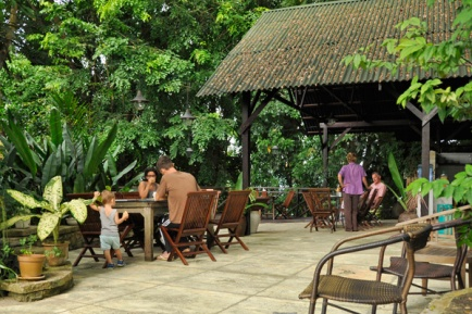 Dining patio for breakfast and catering services.