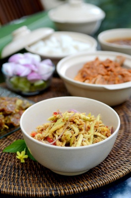Minangkabau cuisine is one of the menu for catering service.