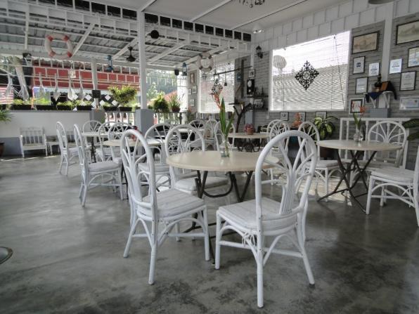 Breakfast area.